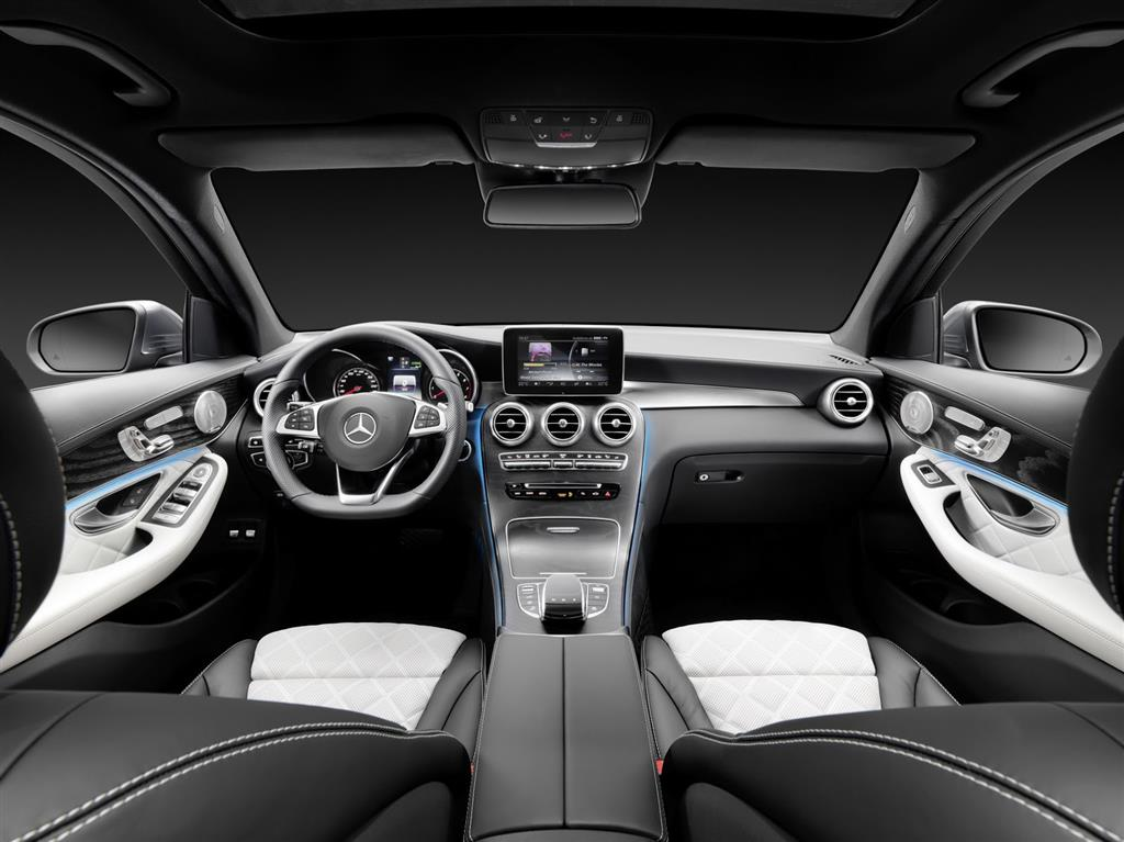 2016 Mercedes GLC Dashboard