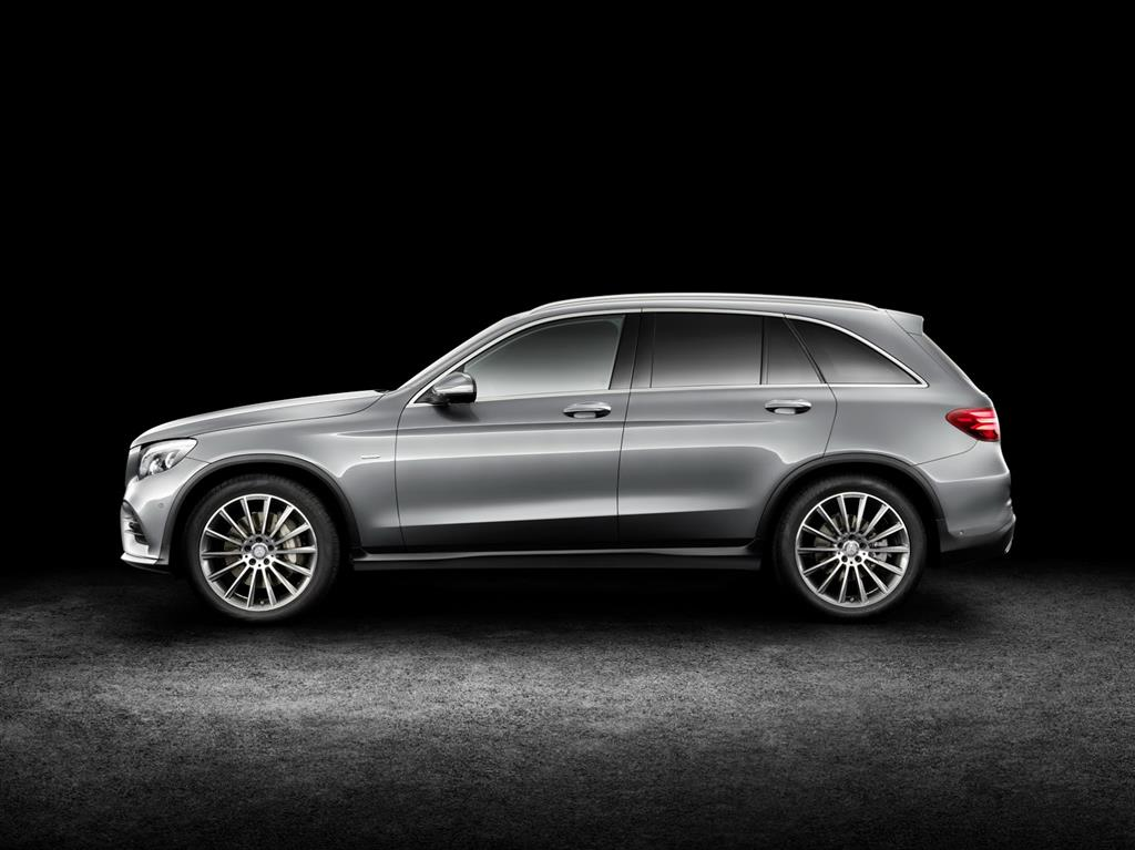 2016 Mercedes GLC Side