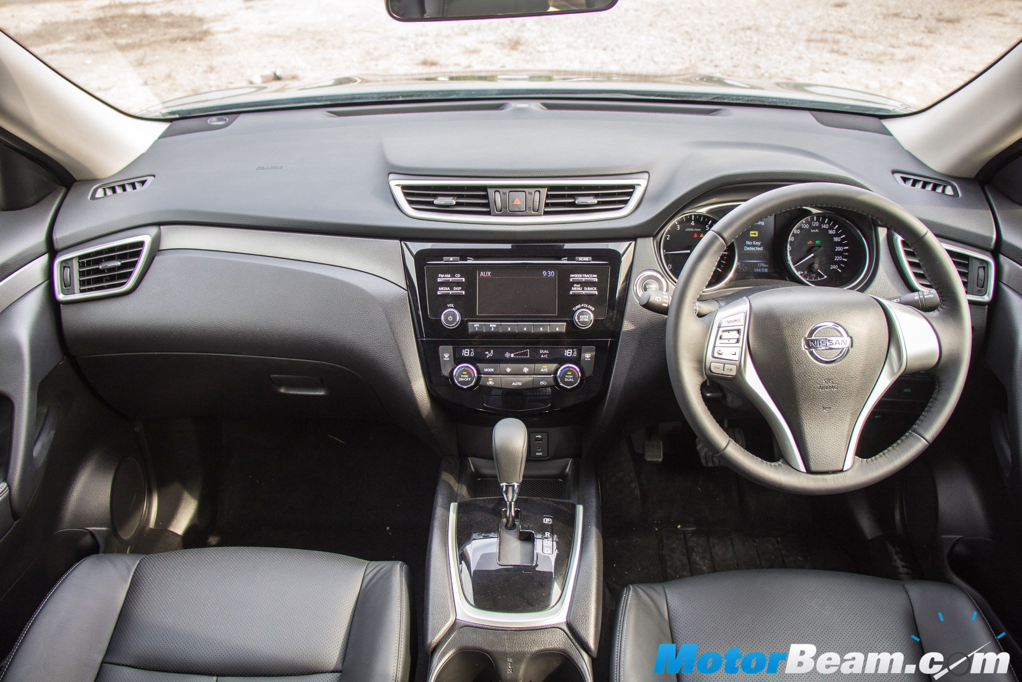 2016 Nissan X-Trail Hybrid Dashboard