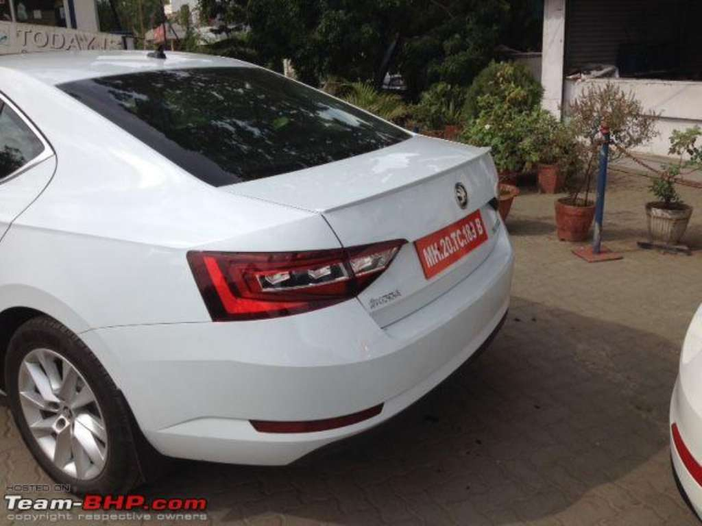 2016 Skoda Superb India Test