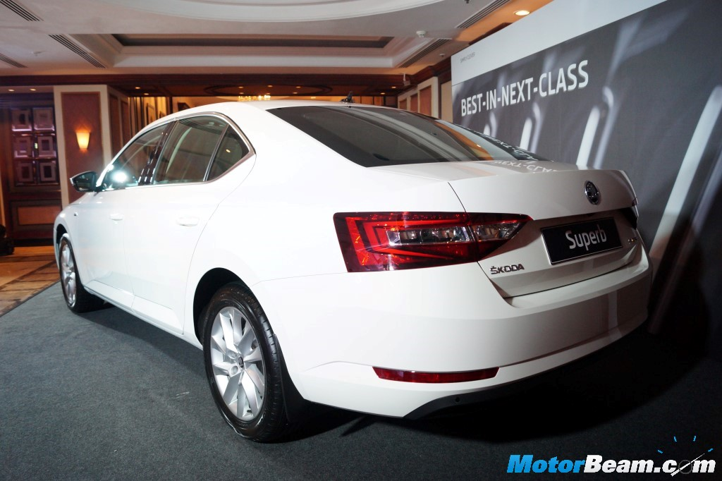 2016 Skoda Superb Rear