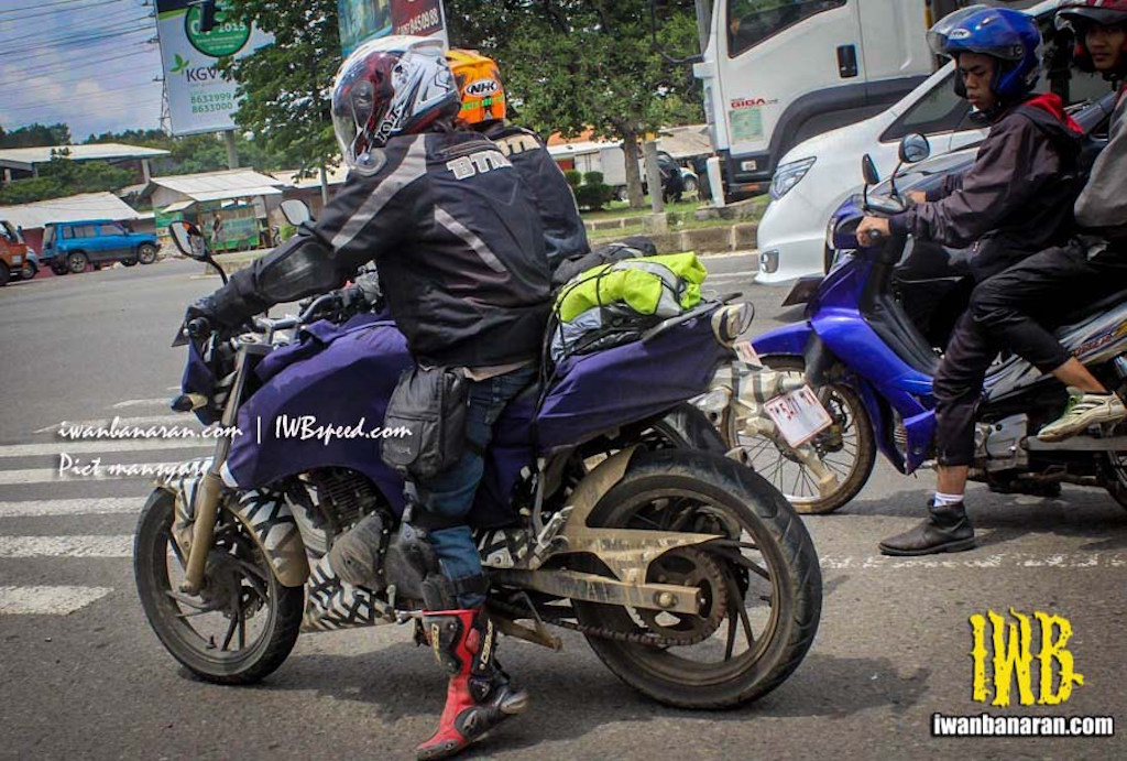 2016 TVS Apache 200 Spied Indonesia
