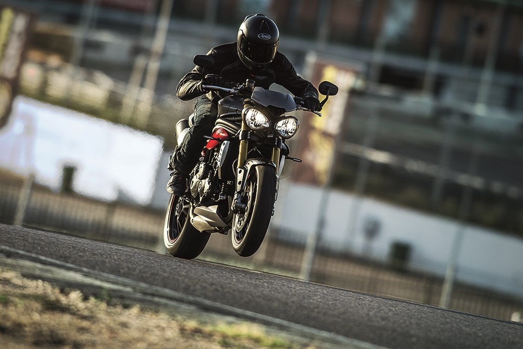 2016 Triumph Speed Triple Specifications
