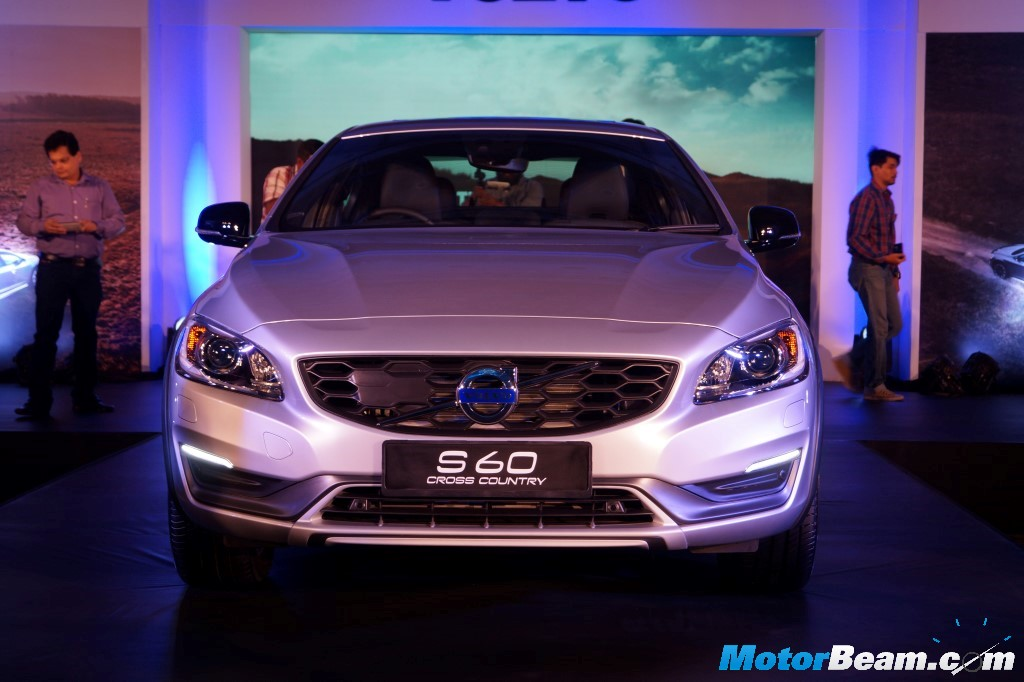 2016 Volvo S60 Cross Country Launch Front