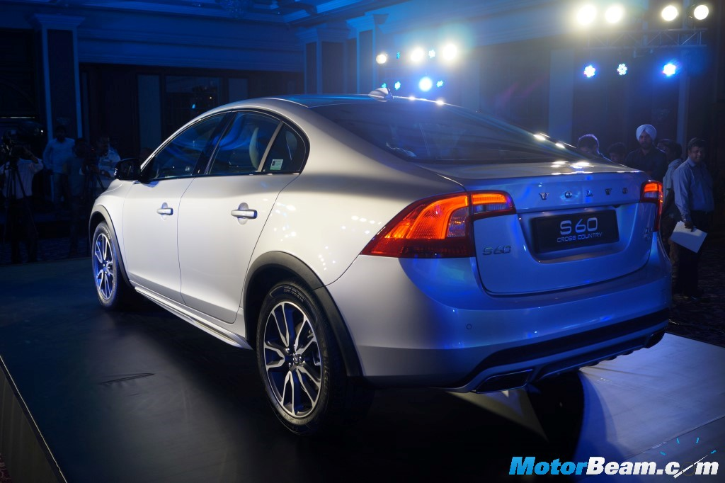 2016 Volvo S60 Cross Country Launch Rear