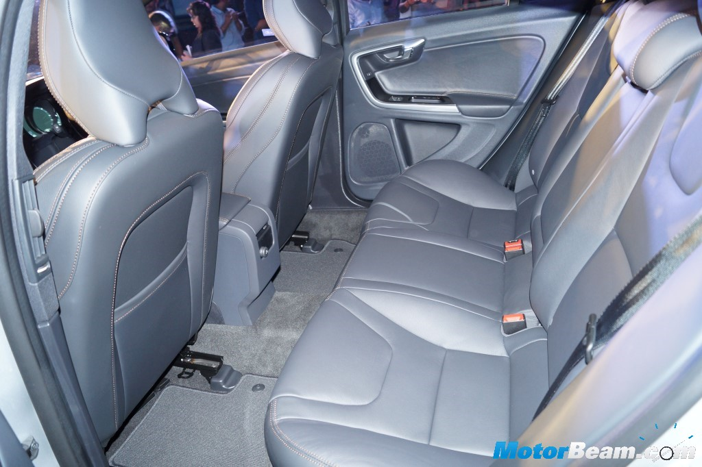 2016 Volvo S60 Cross Country Space