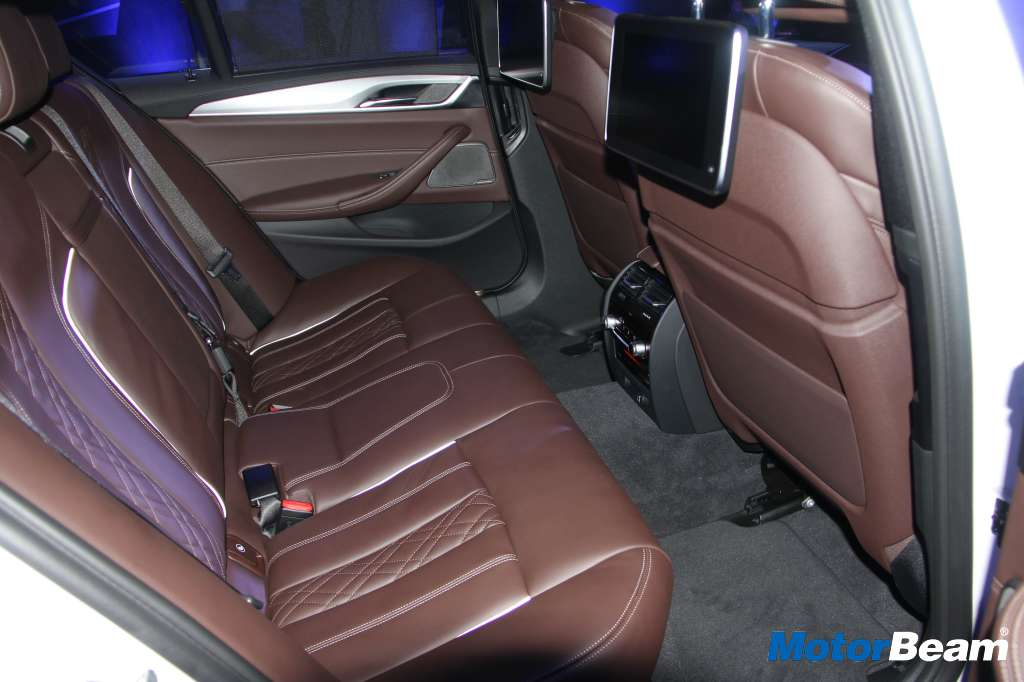 2017 BMW 5-Series Space