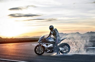 2017 BMW HP4 Race Revealed, Produces 215 HP