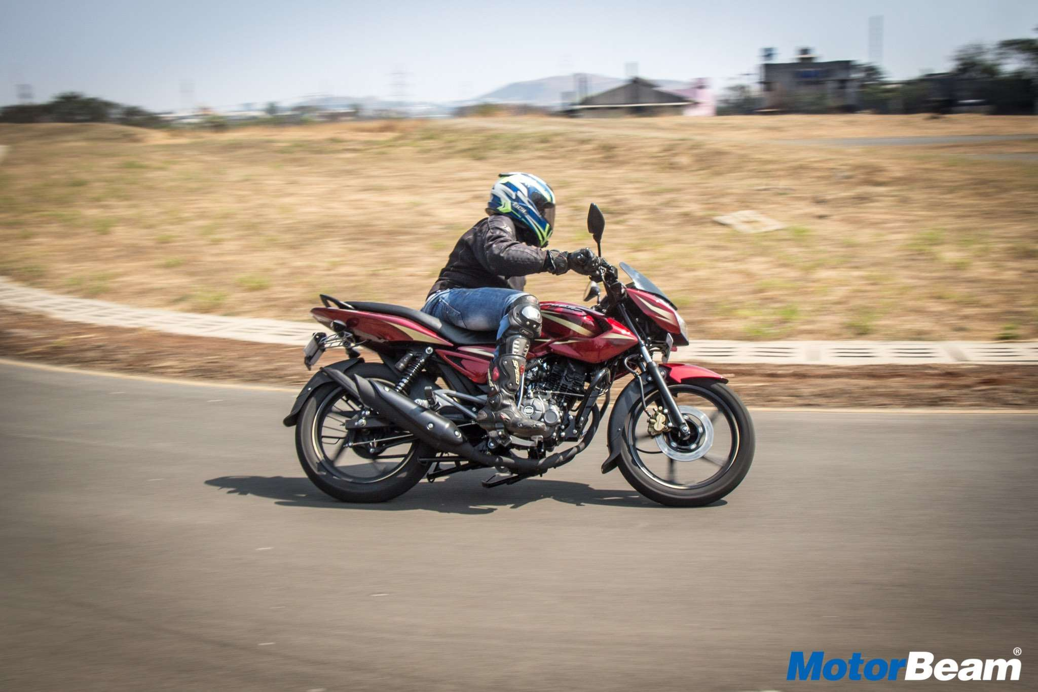 2017 pulsar 135 ls video review test ride motorbeam