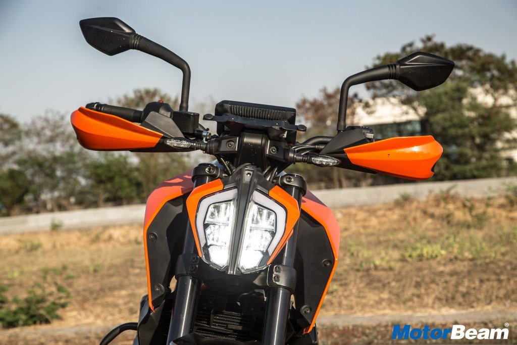 2017 KTM Duke 390 Features