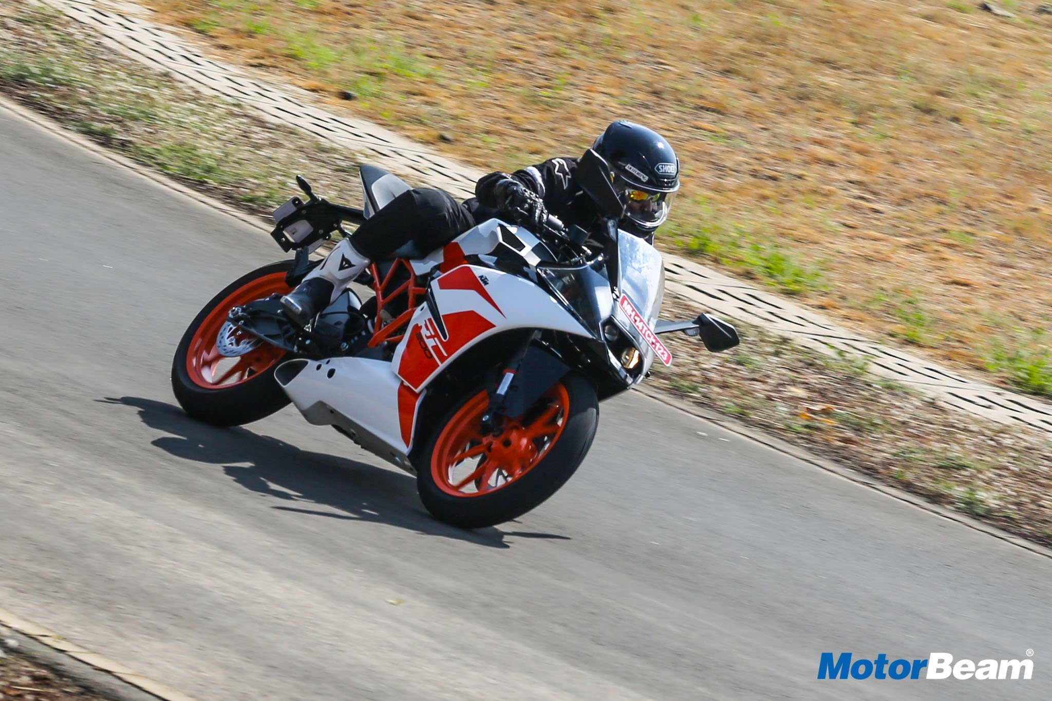 2017 KTM RC 200 Video Review