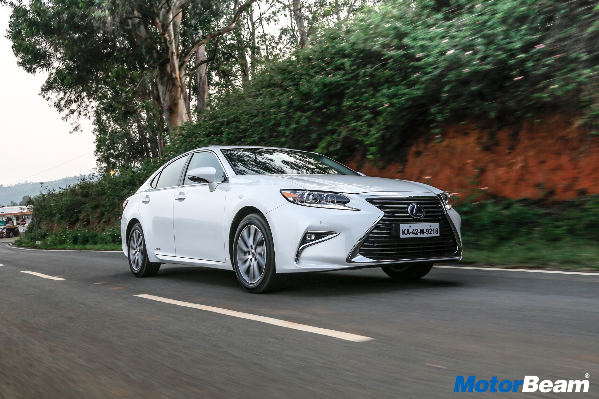2017 Lexus Es300h First Drive Review
