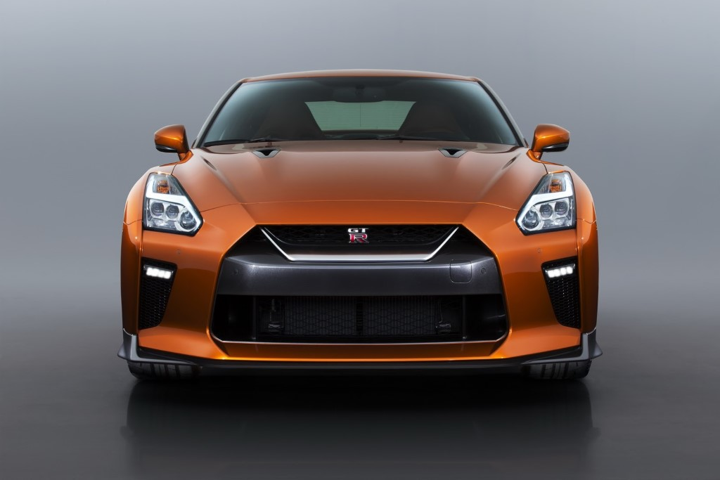 2017 Nissan GT-R Front