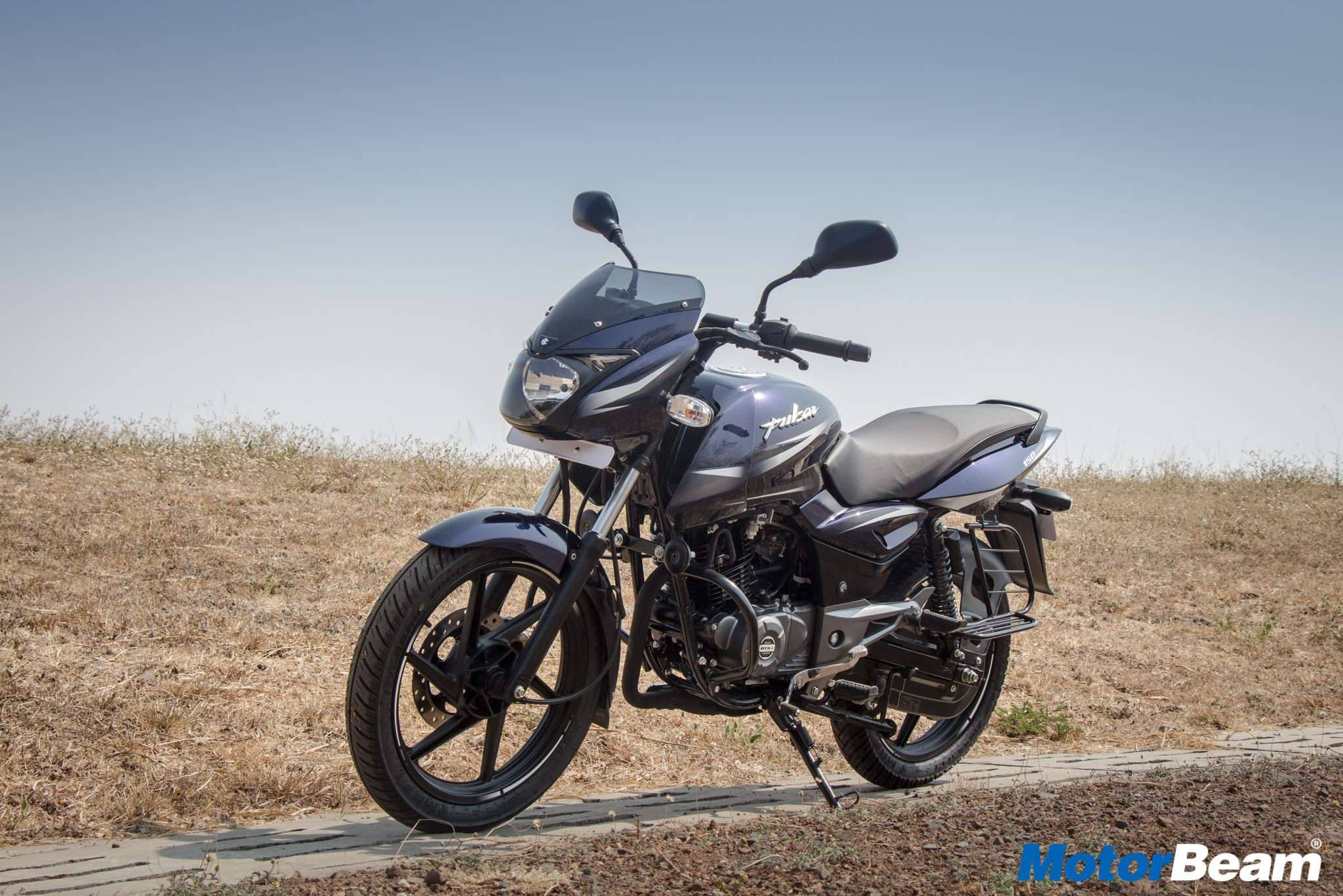 Top 5 150cc 160cc motorcycles in the country indian cars bikes - 2017 Pulsar 150 Review