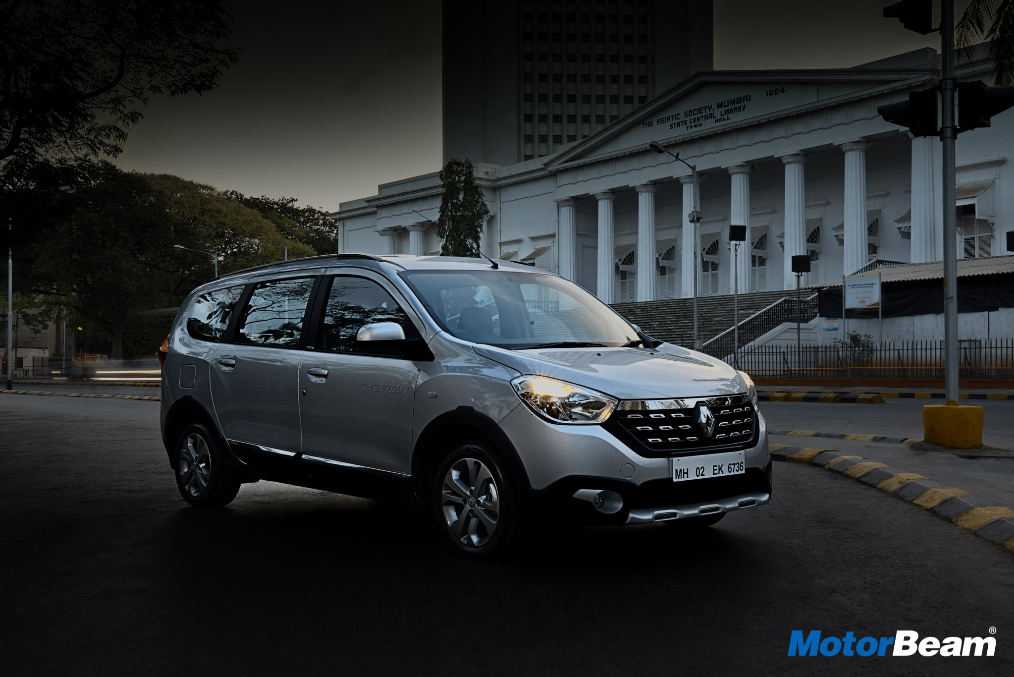 2017 Renault Lodgy Stepway Review