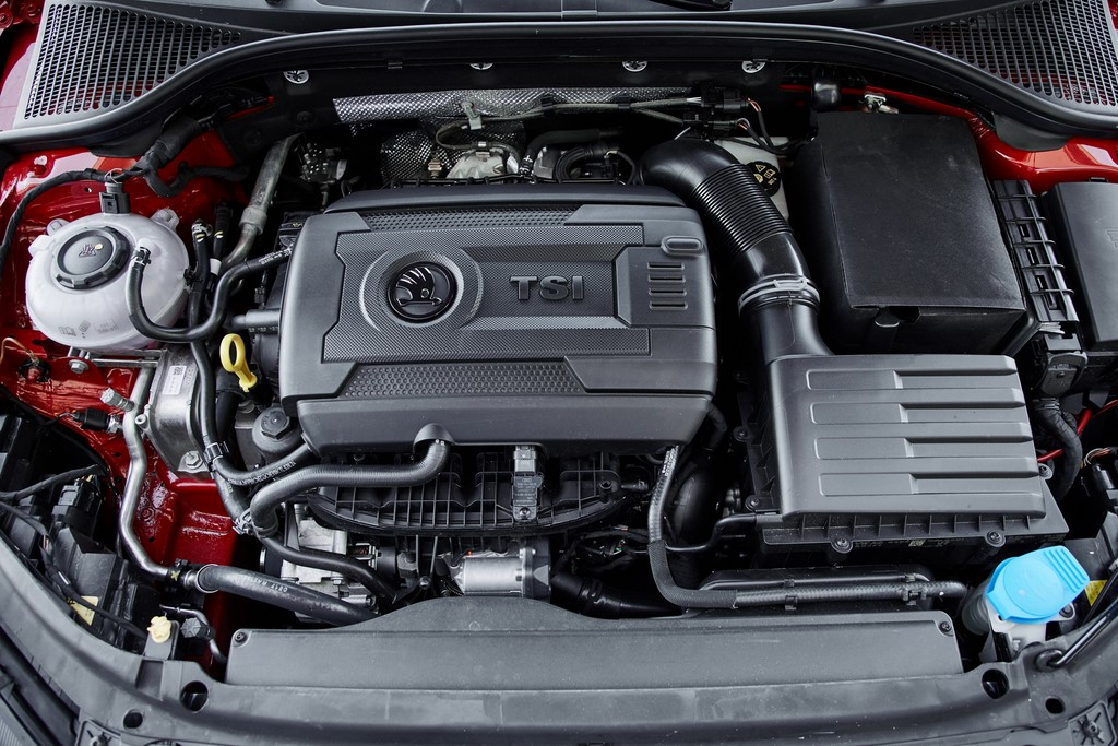 2017 Skoda Octavia RS Engine