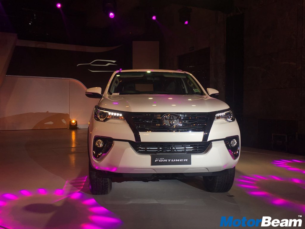 2017 Toyota Fortuner Front