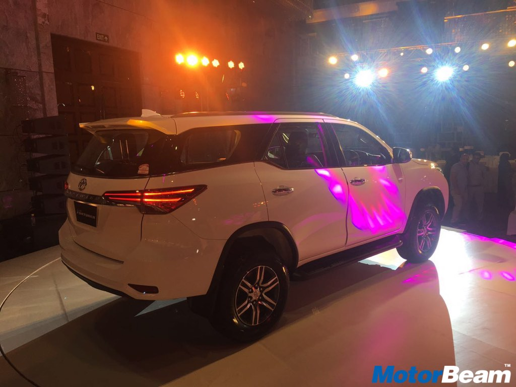 2017 Toyota Fortuner Launched, Priced From Rs. 25.92 Lakhs | MotorBeam