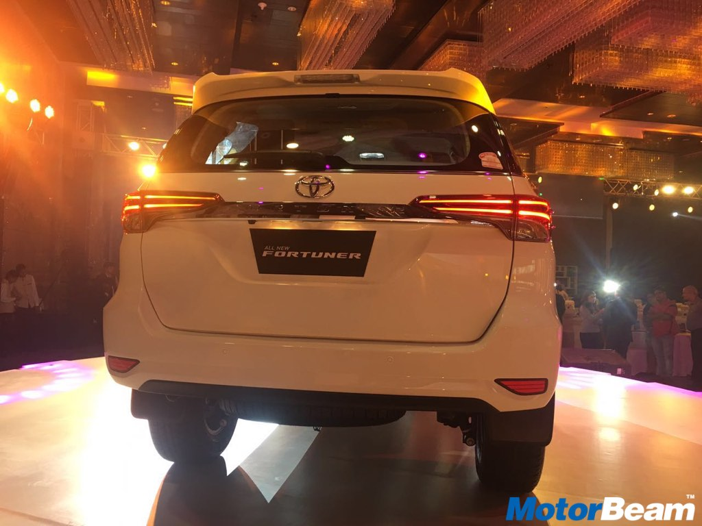 2017 Toyota Fortuner Rear Profile