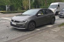 2017 Volkswagen Polo Front and Side