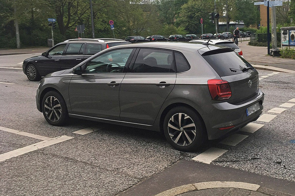 2017 Volkswagen Polo Side Spotted