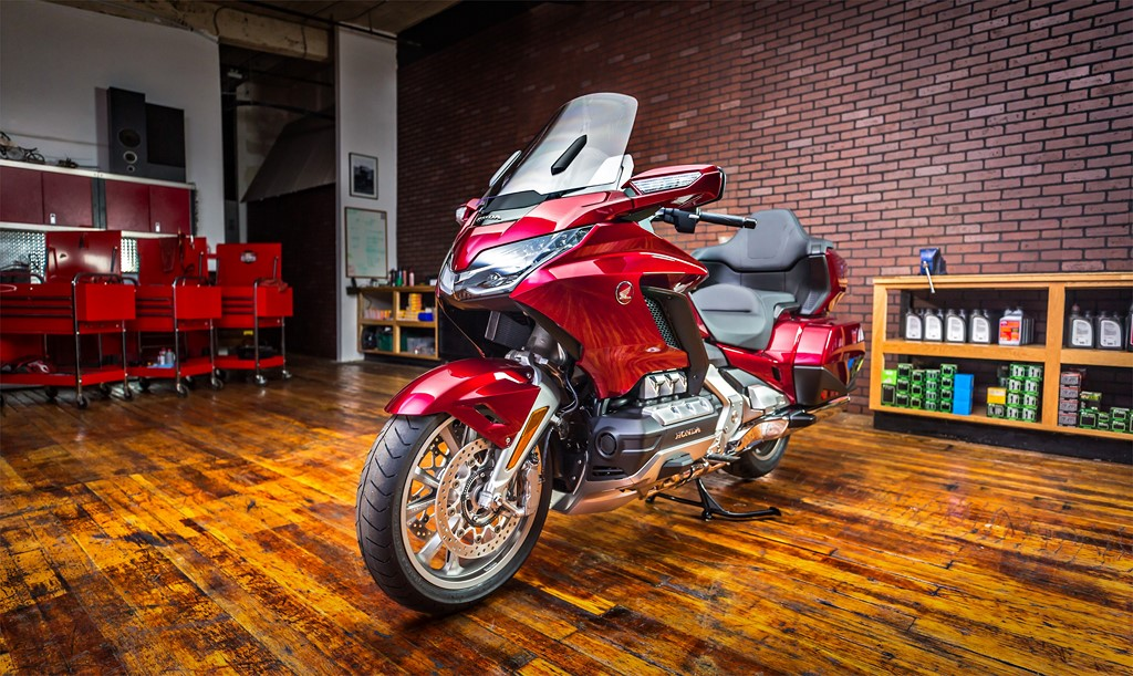 2018 Gold Wing Tour Front Three Quarter