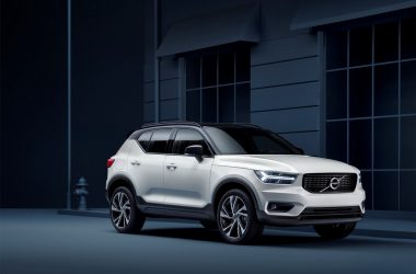 2018 Volvo XC40 Front And Side