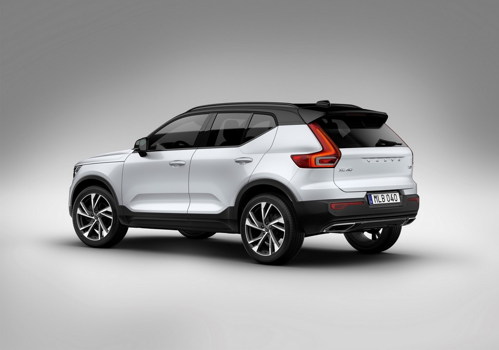 2018 Volvo XC40 Side And Rear