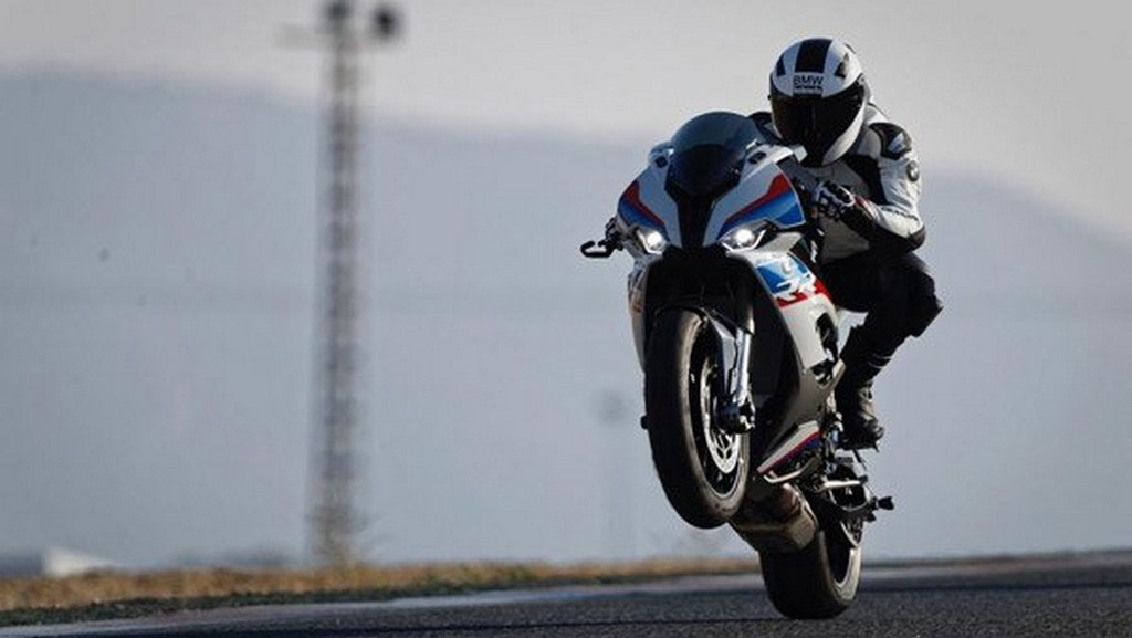 Bmw S 1000 Rr Motorbeam Indian Car Bike News Reviews