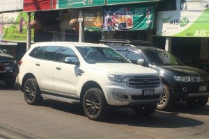 2019 Ford Endeavour Facelift Spied Sans Camouflage