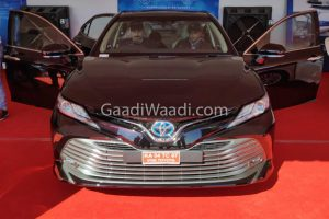 2019 Toyota Camry Hybrid India Front Spied Undisguised