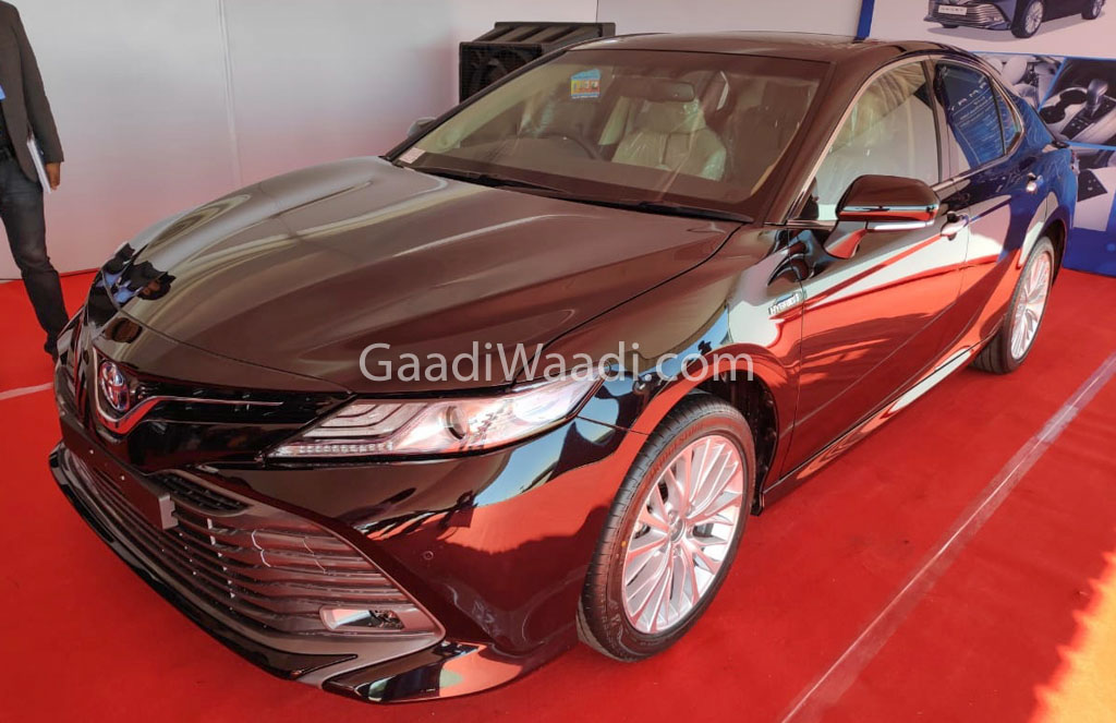 2019 Toyota Camry Hybrid Side Spied Undisguised