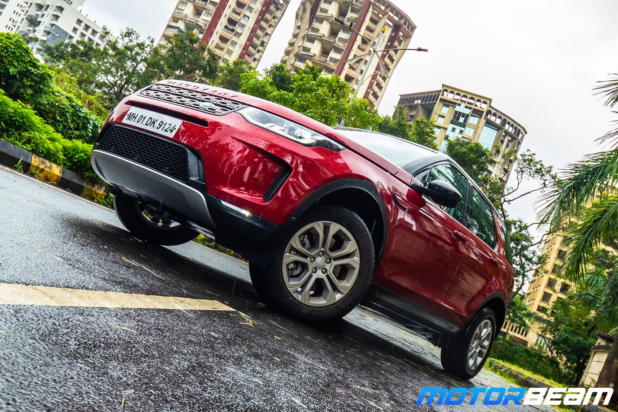 2020-Land-Rover-Discovery-Sport-20