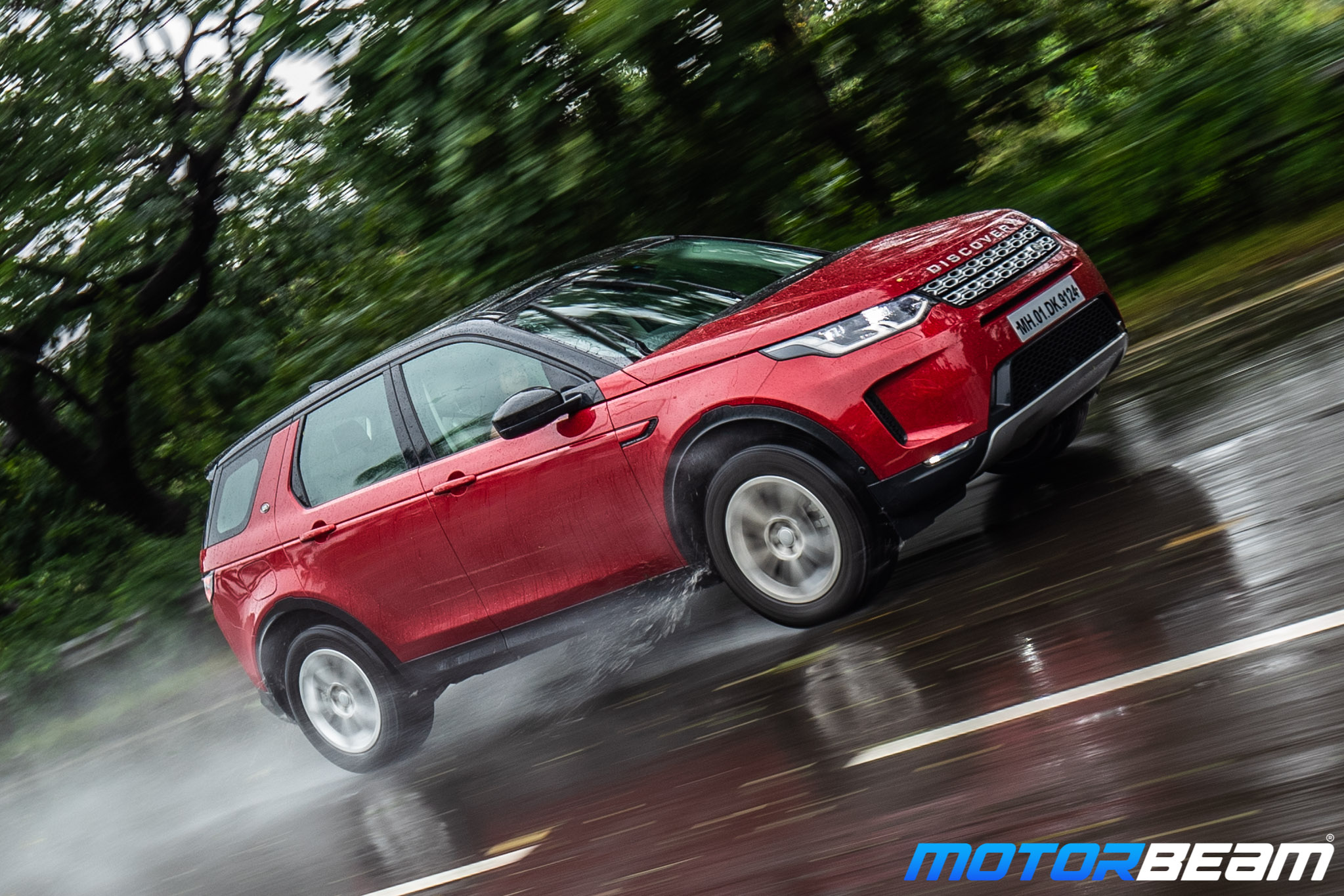2020-Land-Rover-Discovery-Sport-26