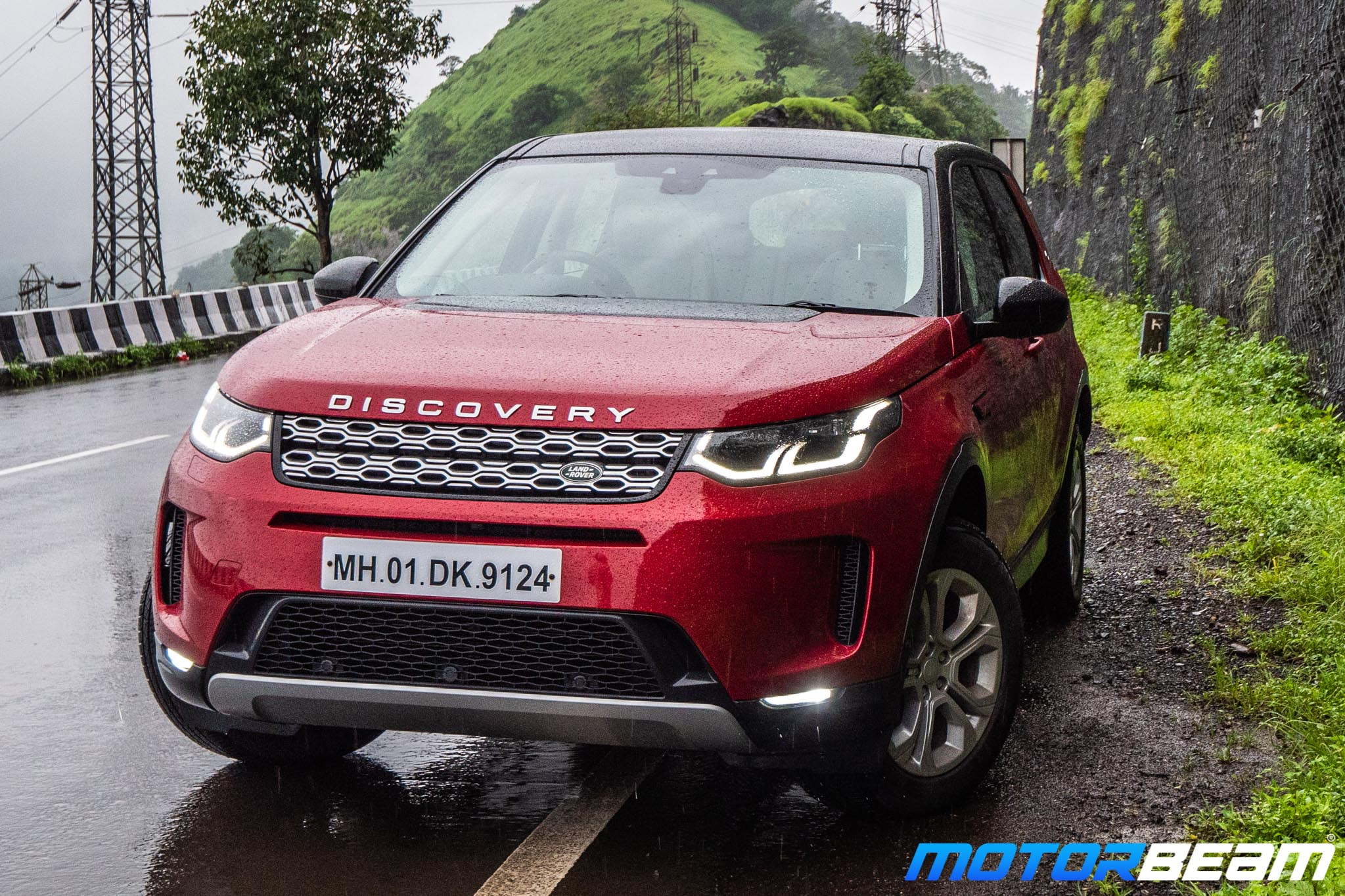 2020-Land-Rover-Discovery-Sport-27