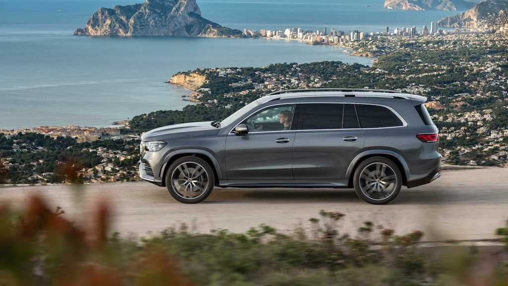 2020 Mercedes GLS Side