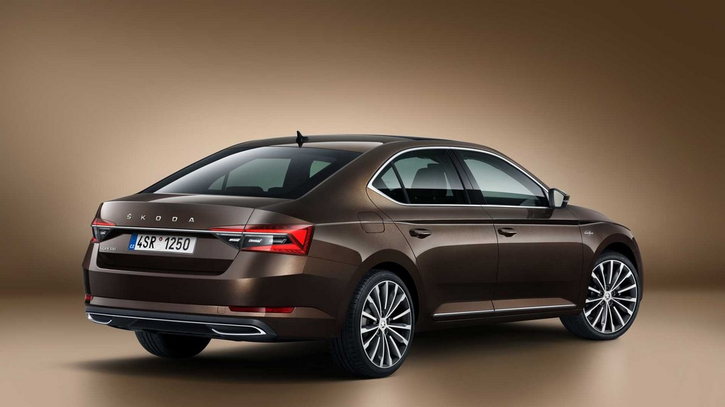 2020 Skoda Superb Facelift Rear