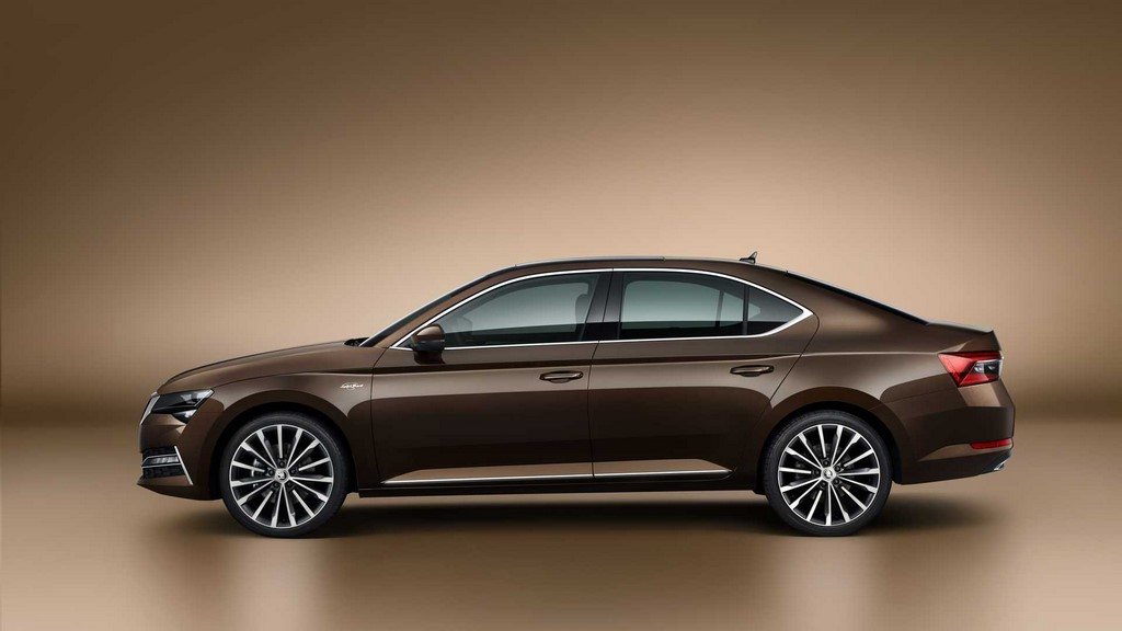 2020 Skoda Superb Facelift Side
