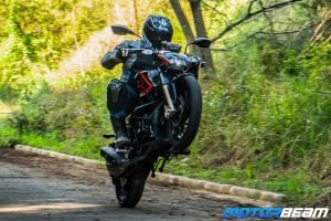 2020 TVS Apache BS6 Video Review