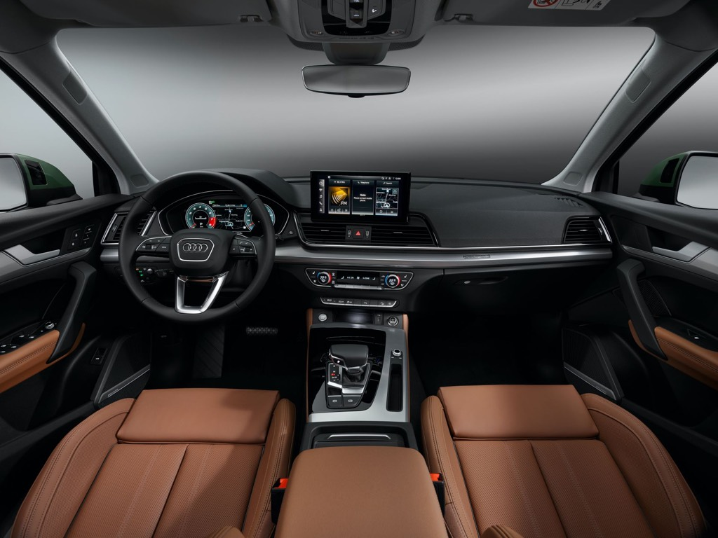New 10.1-inch touchscreen infotainment system