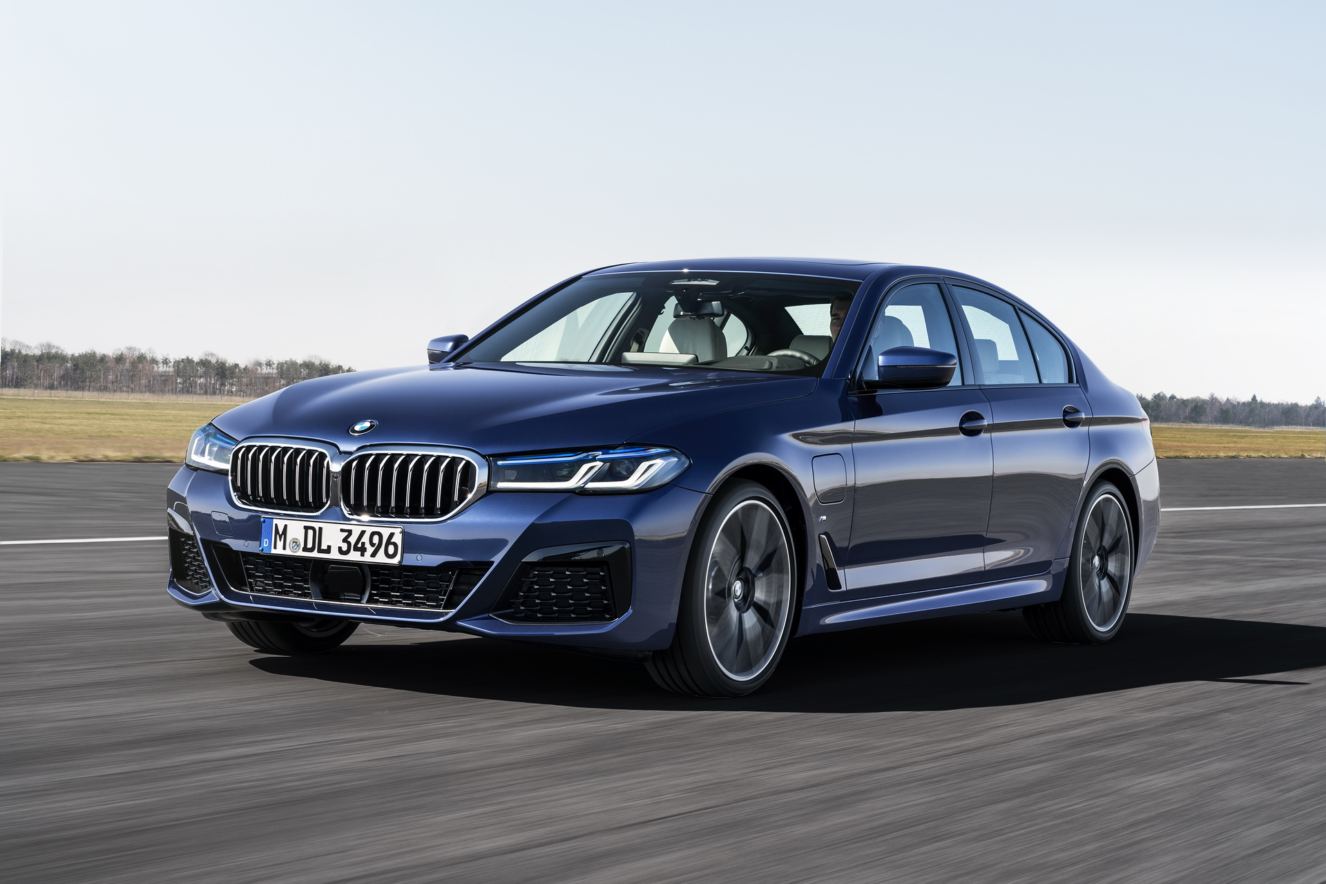BMW 5 Series unveiled: Android Auto in, wagon likely out