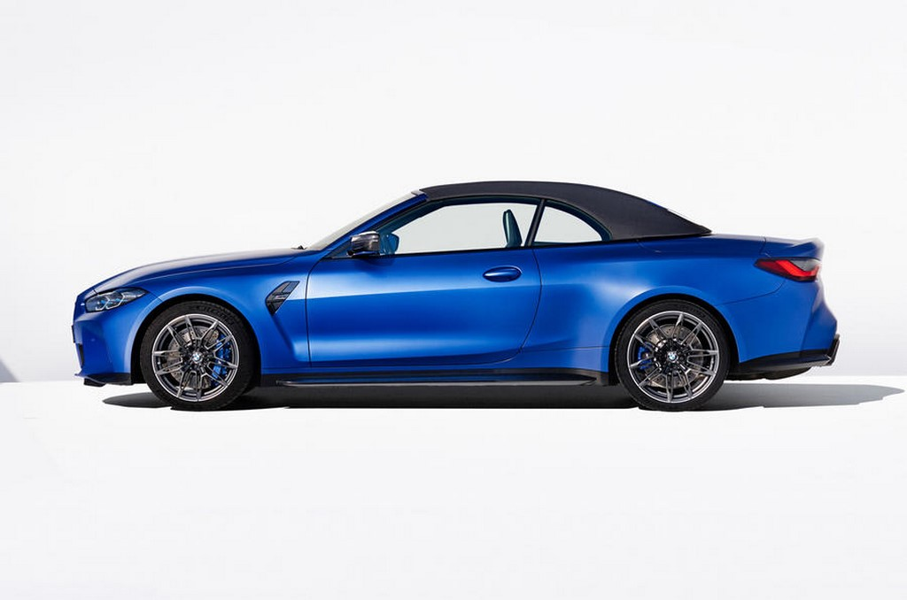 2021 BMW M4 Competition Convertible Roof