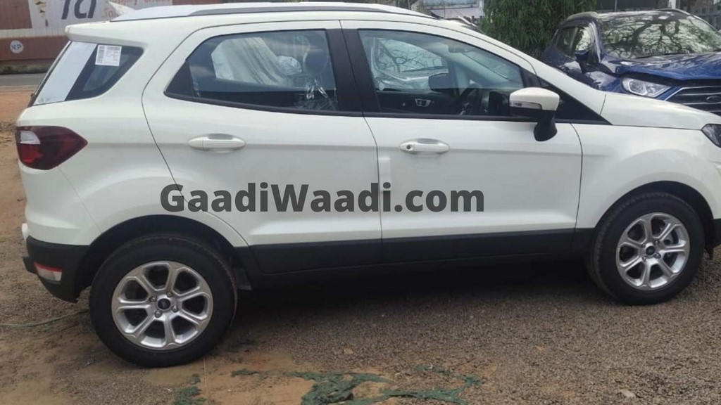 2021 Ford EcoSport Special Edition Side