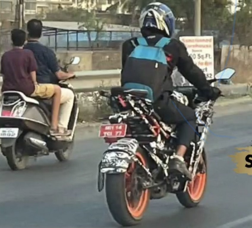 2021 KTM RC 200 Spotted Rear