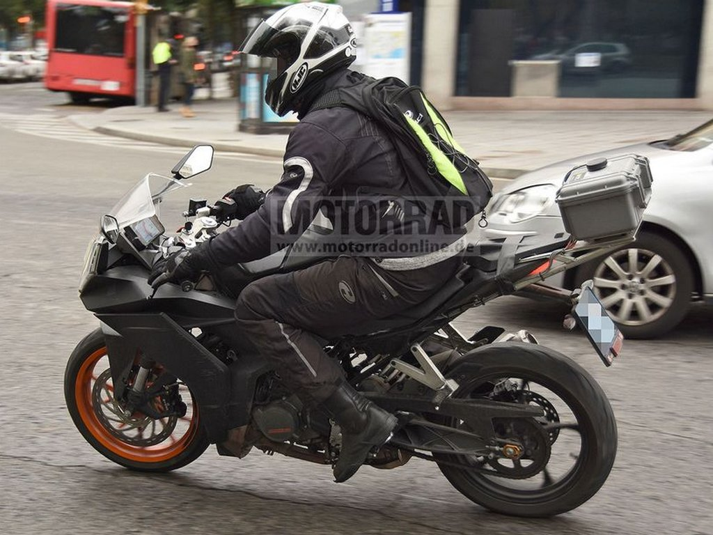 2021 KTM RC 390 Spotted Side