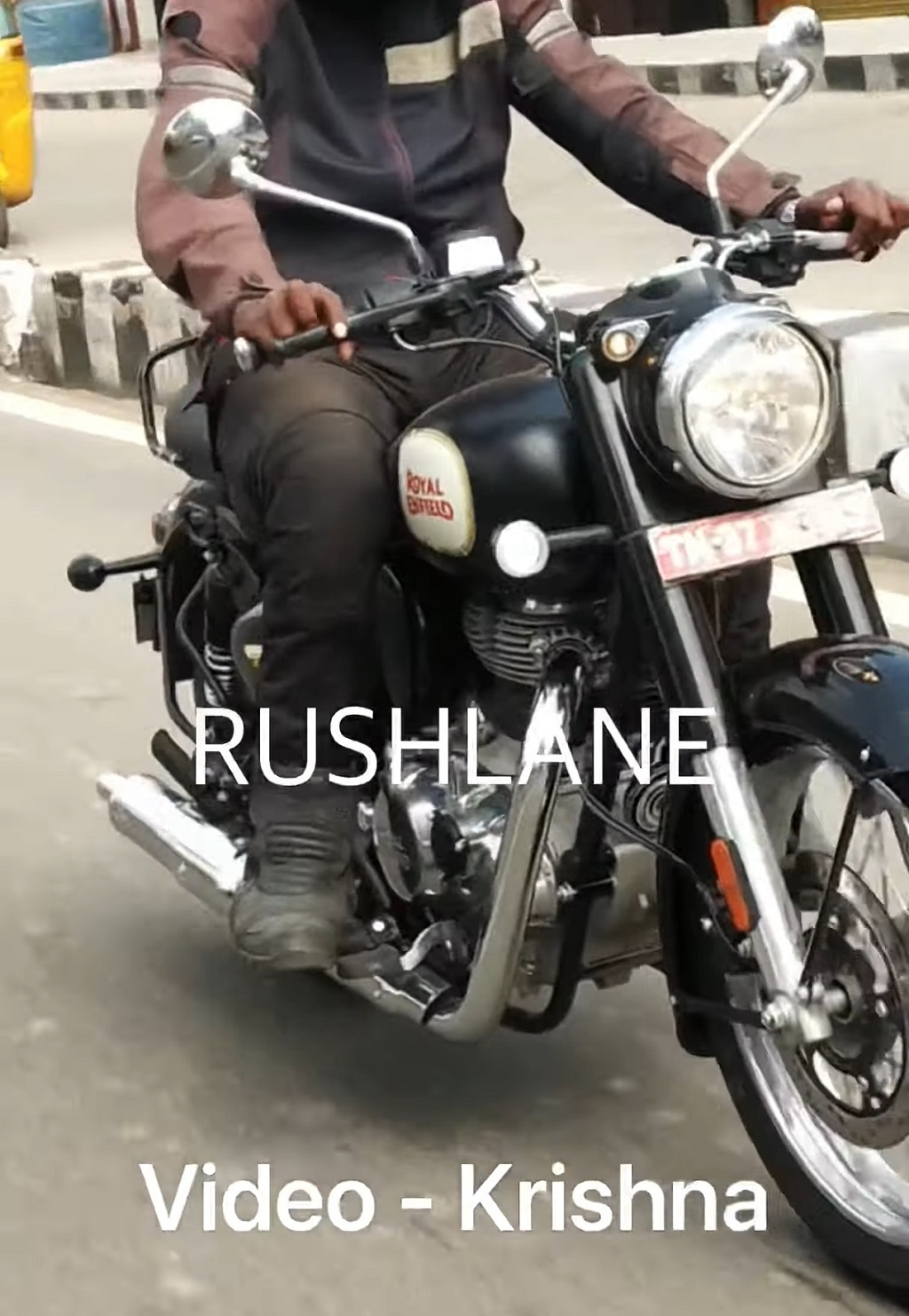 2021 Royal Enfield Classic 350 Spied Front
