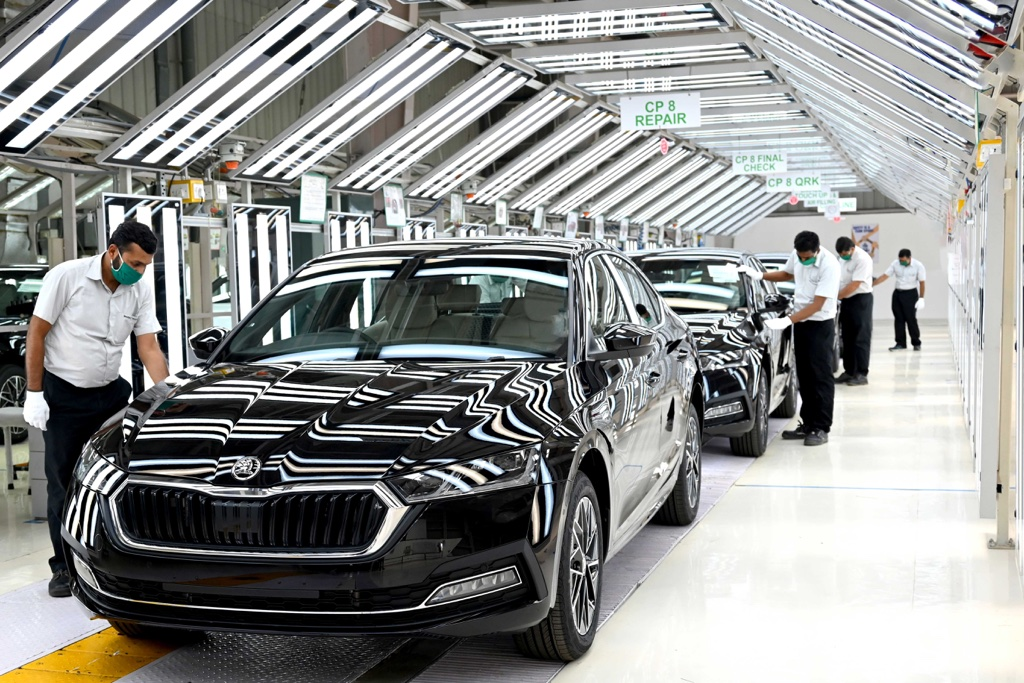 New Skoda Octavia rolling off the assembly line