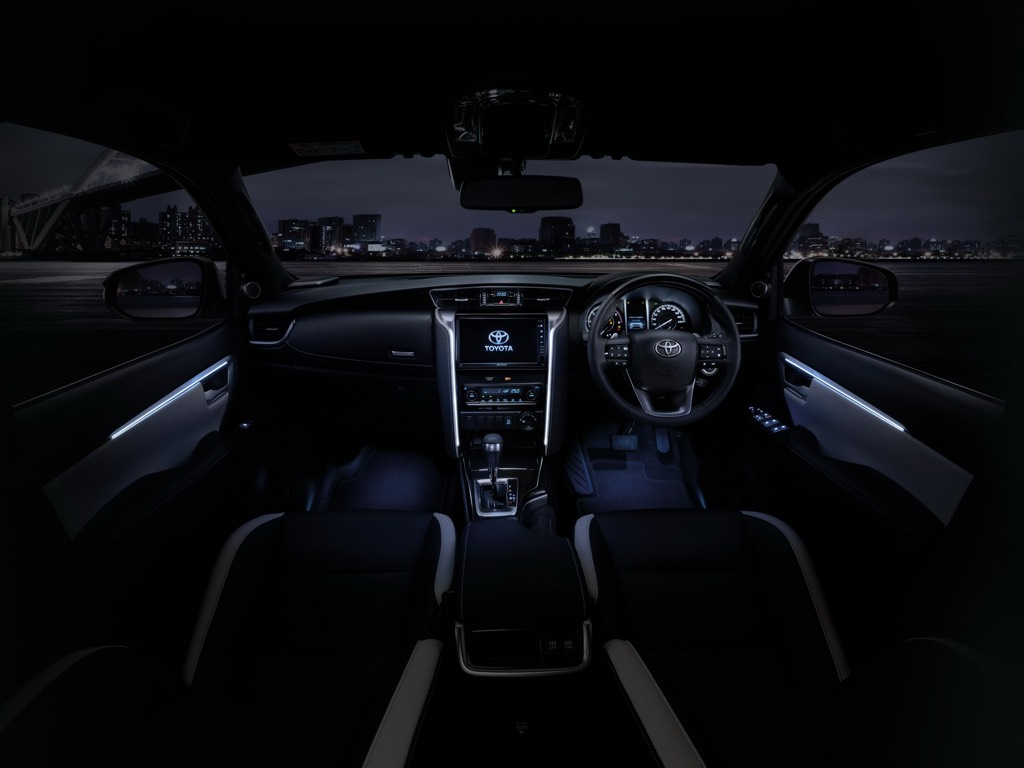 2021 Toyota Fortuner Ambient Light