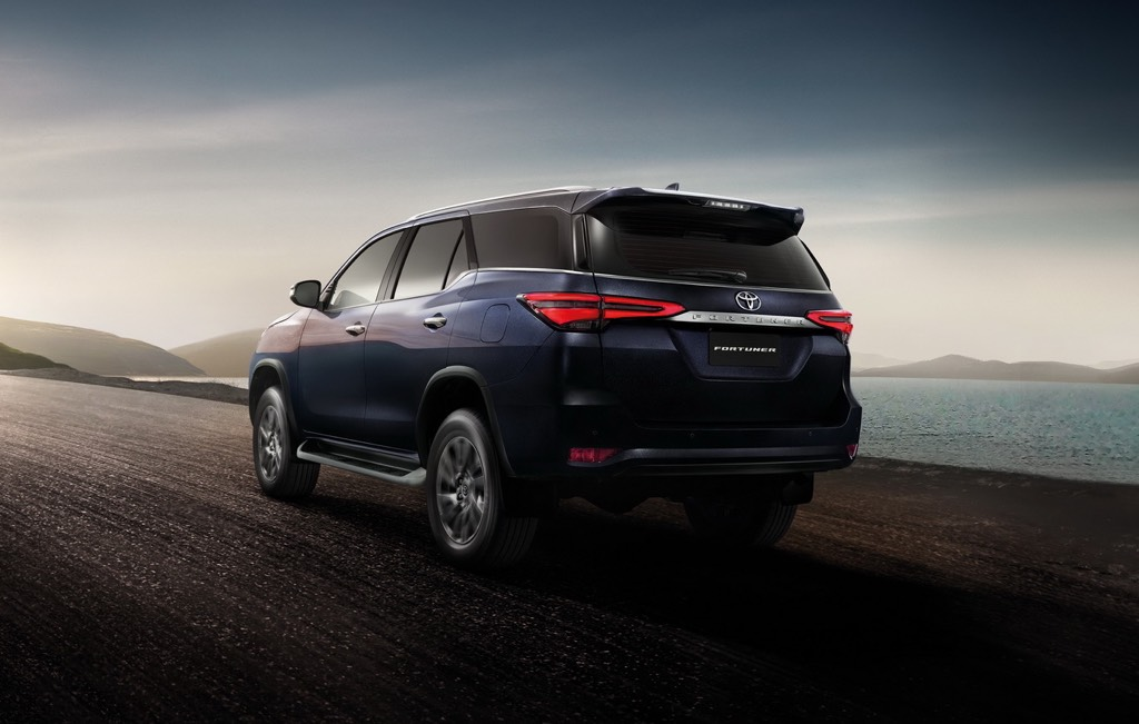 Toyota Fortuner Facelift Bookings