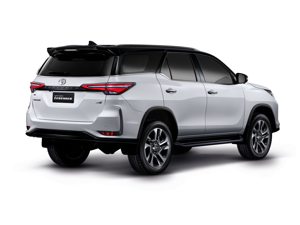 2021 Toyota Fortuner Rear